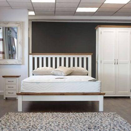 Manhattan Oak & Cream Bedroom