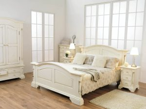 "Ailesbury 4'6"" Bedroom Set"