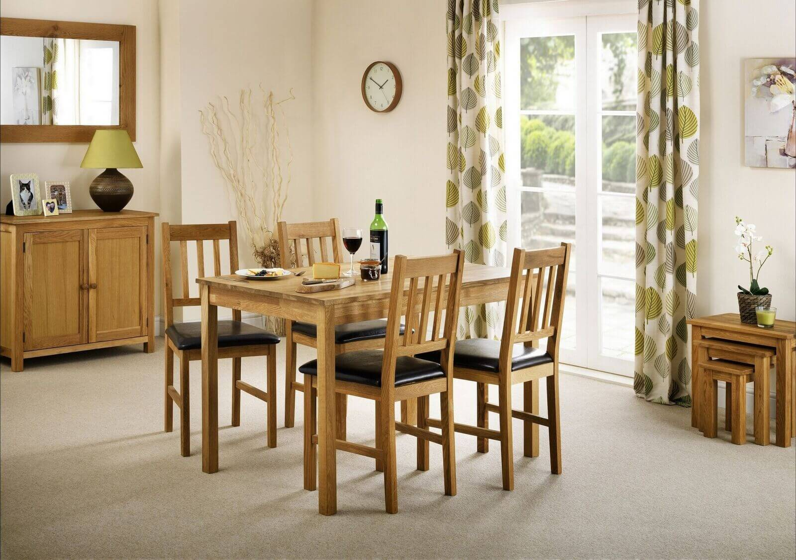 Coxmoor Dining Set (Table + 4)