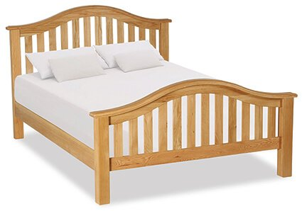 "Salisbury 4'6"" Curved Bed"