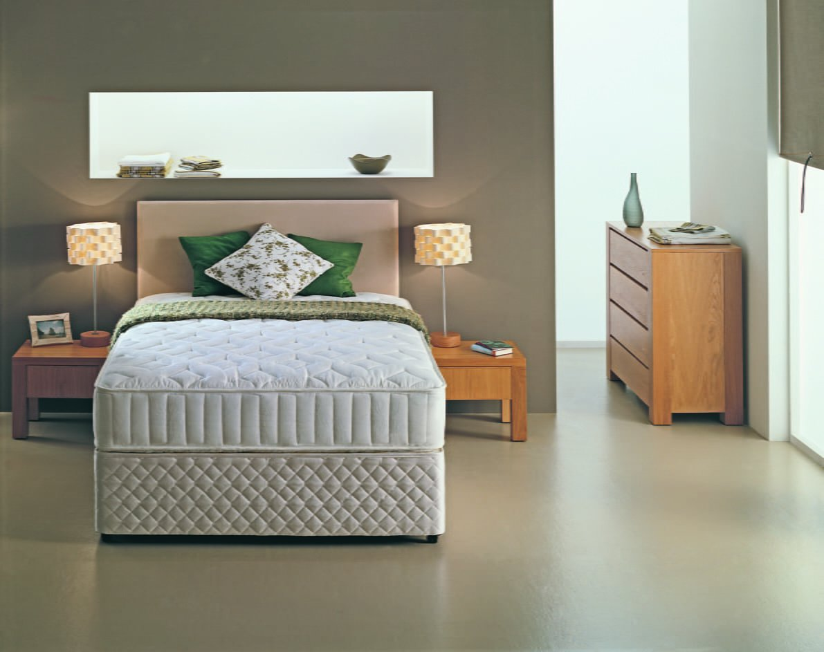 Posturecare 6' Divan Bed
