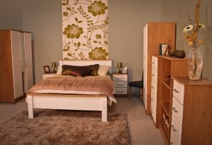 "Shannon 4'6"" Bedroom Set"