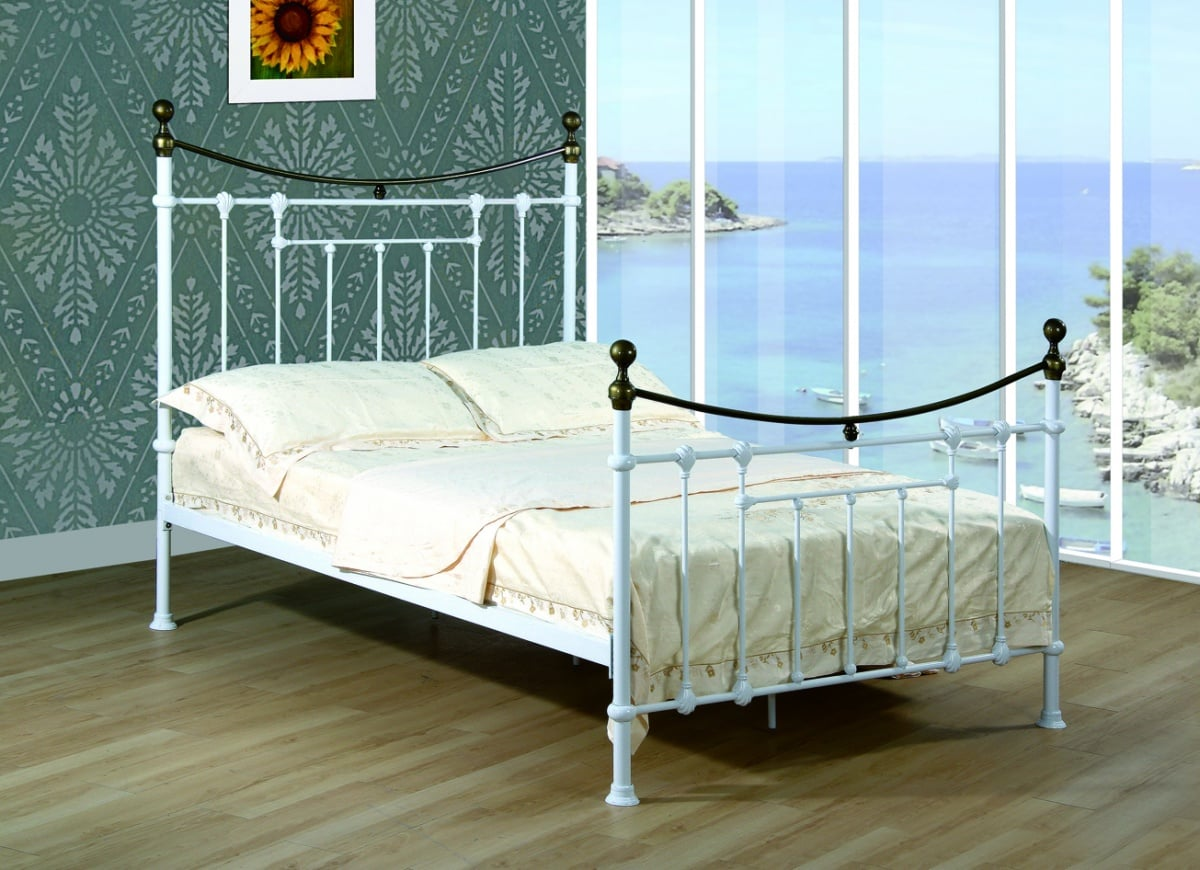 Elizabeth 5' Bed