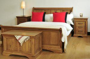 """Calais 4'6"""" Sleigh Bedroom Set"""