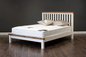 "Manhattan 4'6"" Oak & Cream Bed"