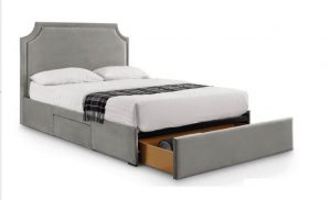 Mayfair 4'6'' Studded Bed