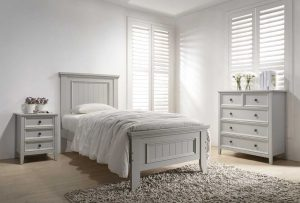 Mila 3' Panelled Bed