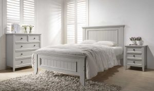 Mila 4'6 Panelled Bed