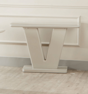 console-table-2