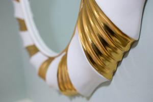 champagne-twist-gold-and-white-2